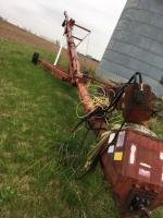 Kewanee 80 Grain Auger with transport and load pan