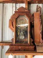 1 wall clock, 1 gingerbread clock and 1 gingerbread case