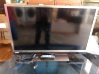Hitachi Flatscreen TV