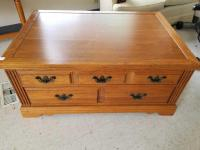 Broyhill 2-drawer Coffee Table