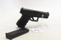 Glock Model 19,  9 x 19mm Pistolw/2 clips and plastic case