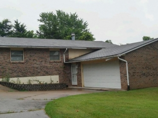 Online Real Estate at 2004 Winchester Dr., Columbia, MO