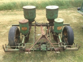 JD 2 Row Planter with Markers