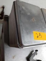 Quarter sheet baking pans