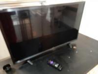 Sharp Roku tv - 31