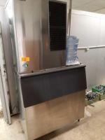 Hoshizaki ice machine and buckets - 31