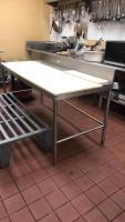 Stainless steel cutting table; 30