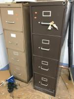 2 Metal file cabinets/2 drawers
