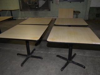 5 OAK GRAIN RESTAURANT TABLES 36 X 36 - ROUND METAL PEDASTAL, 4 LEG BASED - USED, VERY MINOR SCRATCHES AND DISCOLORATION