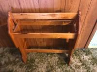 Pine quilt rack