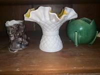 Ruffle top vase, syrup with face design,