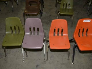 4 ELEMENTARY SCHOOL SIZED BROWN CHAIRS USED. PAINT WORN ON LEGS