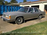 1990 Ford Crown Victoria