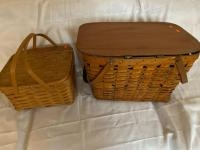 2 hand wolven picnic baskets