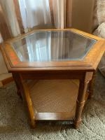 """End table w/glass top, 24"""" 24"""" 21"""""""