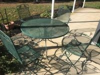 Sunbeam Metal Patio Table and 4 matching chairs, 48 inches across
