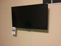 LG 32 inch flat panel TV with remote, in working condition