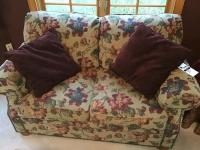 Floral Print Loveseat with cushions