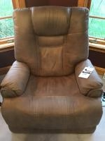 Electric Recliner, very clean