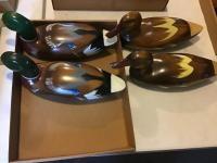 4 Decorative wooden ducks
