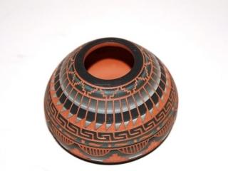 9 miniature Native American pottery pieces