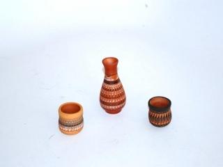 6 miniature Native American vases
