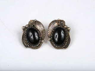 Sterling silver and onyx earrings by Eaezr