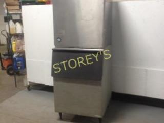 Hosizaki 900lb Ice Machine