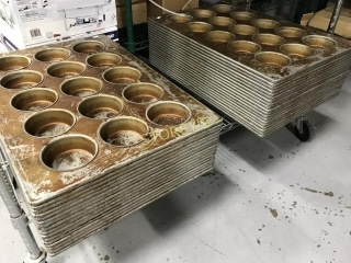 Muffin Tins - 12 Spot - Heavy Trays For Bakery