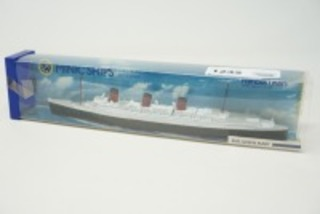 VINTAGE MINIC SHIPS DIECAST MODEL BY HORNBY, RMS QUEEN MARY