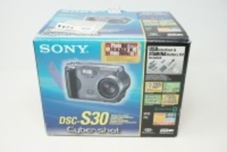 SONY DSC-S30 CYBER-SHOT DIGITAL CAMERA WITH ORIGINAL BOX AND ACCESSORIES