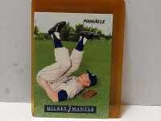 BASEBALL CARD, MICKEY MANT
