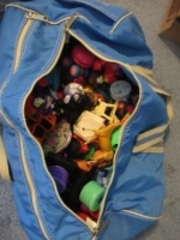 WILSON DUFFLE BAG WITH TOYS - USL