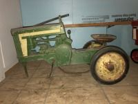 JD 2 cylinder pedal tractor