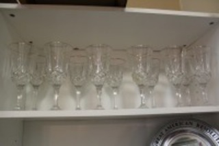 LOT OF 12 PRETTY CRYSTAL STEM GLASSES WITH GOLD TRIM