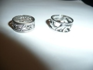 LOT OF TWO STERLING SILVER BAND STYLE RINGS