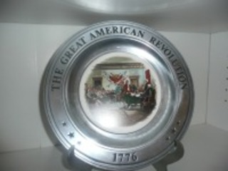 THE GREAT AMERICAN REVOLUTION COLLECTORS PLATE WITH STAND