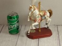 SINGLE CAROUSEL HORSE ON WOODEN BASE, PLAYS ONCE UPON A CAROUSEL