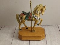 SINGLE CAROUSEL HORSE MUSIC BOX, PLACE CHARIOTS OF FIRE