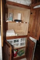 ALL ITEMS IN US HALL BATH CLOSET - USHALL