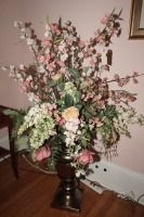 VERY LARGE URN STYLE PLANTER AND FLORAL ARRANGEMENT - USBR2