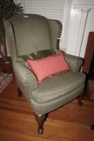 VINTAGE NEUTRAL COLORED WINGBACK CHAIR WITH ACCENT PILLOWS - USBR2