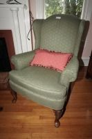 VINTAGE NEUTRAL COLORED WINGBACK CHAIR WITH ACCENT PILLOW - USBR2