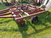 International 6000 concert till chisel plow with rolling blades on the front 10 shanks - bad tires