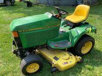 John Deere 425 riding lawnmower 54 inch deck 822 hours