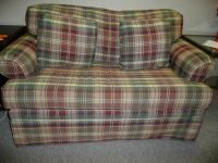 NICE LANE FURNITURE PLAID LOVESEAT PULLS OUT TO TWIN SIZE BED