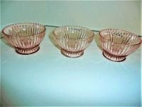 LOT OF 3 VINTAGE QUEEN MARY PINK DEPRESSION GLASS BOWLS