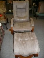 VERY NICE SWIVEL CHAIR WITH MATCHING OTTOMAN