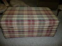 VERY NICE PLAID OTTOMAN WITH STORAGE SPACE BY LANE FURNITURE