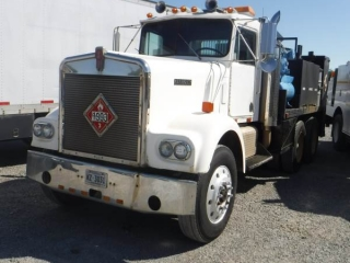 KENWORTH W900A T/A FUEL & LUBE TRUCK